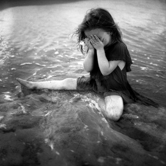 ،نهاية 'ألَضائعة...~ sasha-sad-girl-black